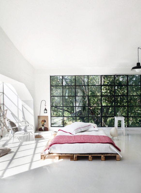 Un loft tout blanc qui respire le minimalisme